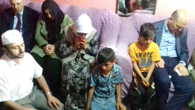Bakan Soylu'dan, İnfaz Edilen Bakkalın Ailesine Taziye Ziyareti
