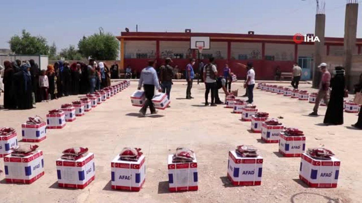 Barış Pınarı bölgesinde bayram öncesi ailelere yardım