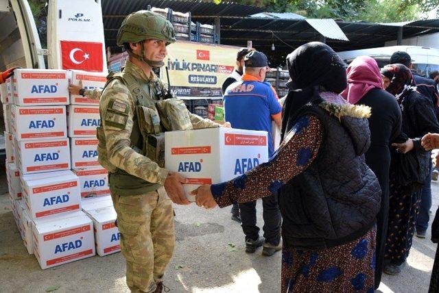 Rasulayn ve Tel Abyad'da sivillere yardım