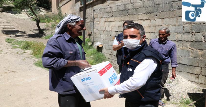 Resulayn'da Gıda Yardımları Evlere Ulaştırılıyor